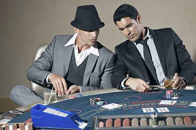 شرط چهارم شرط بندی پوکر مقابل بازیکنان شل